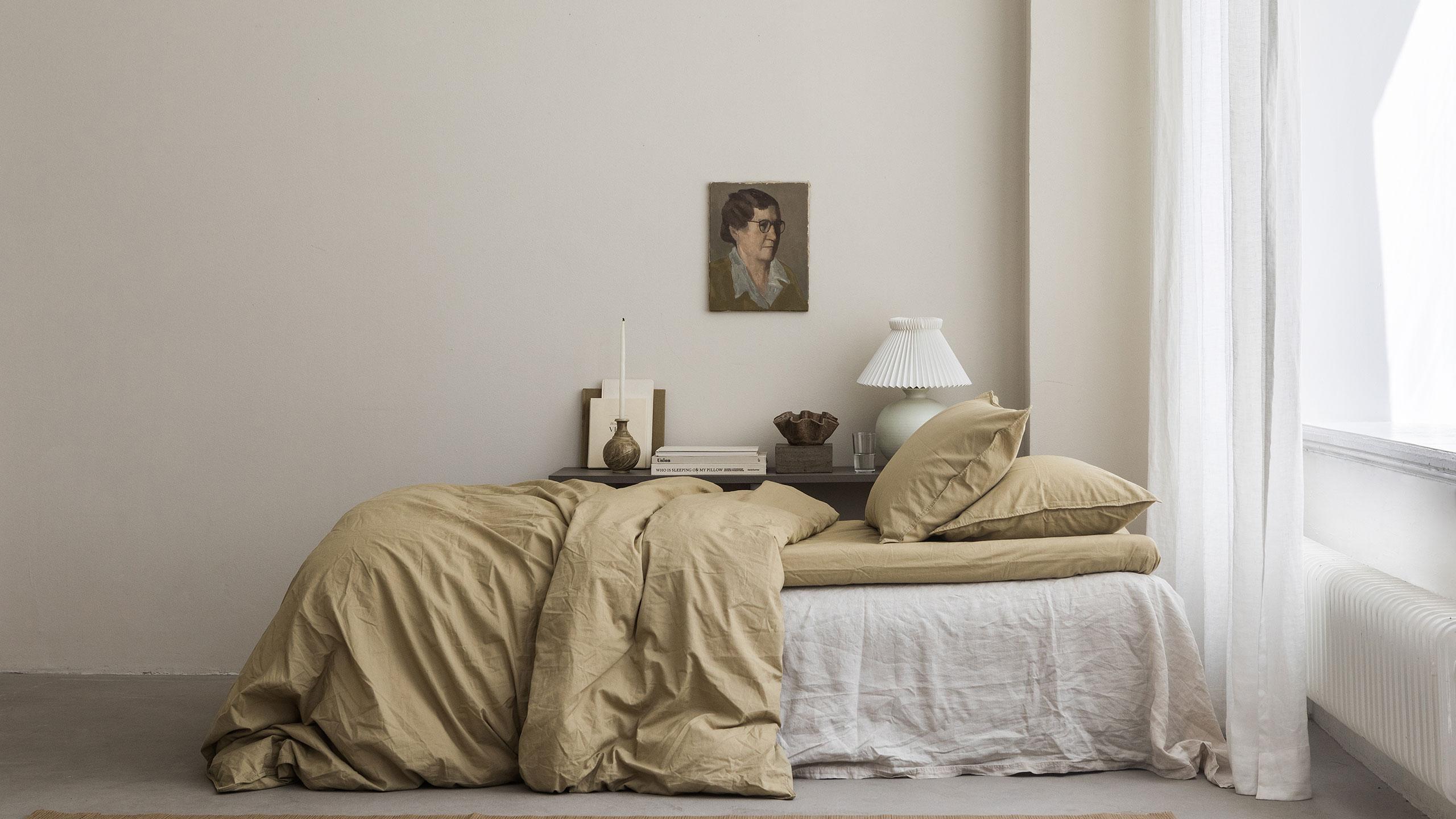 Sovrum i ljusa toner