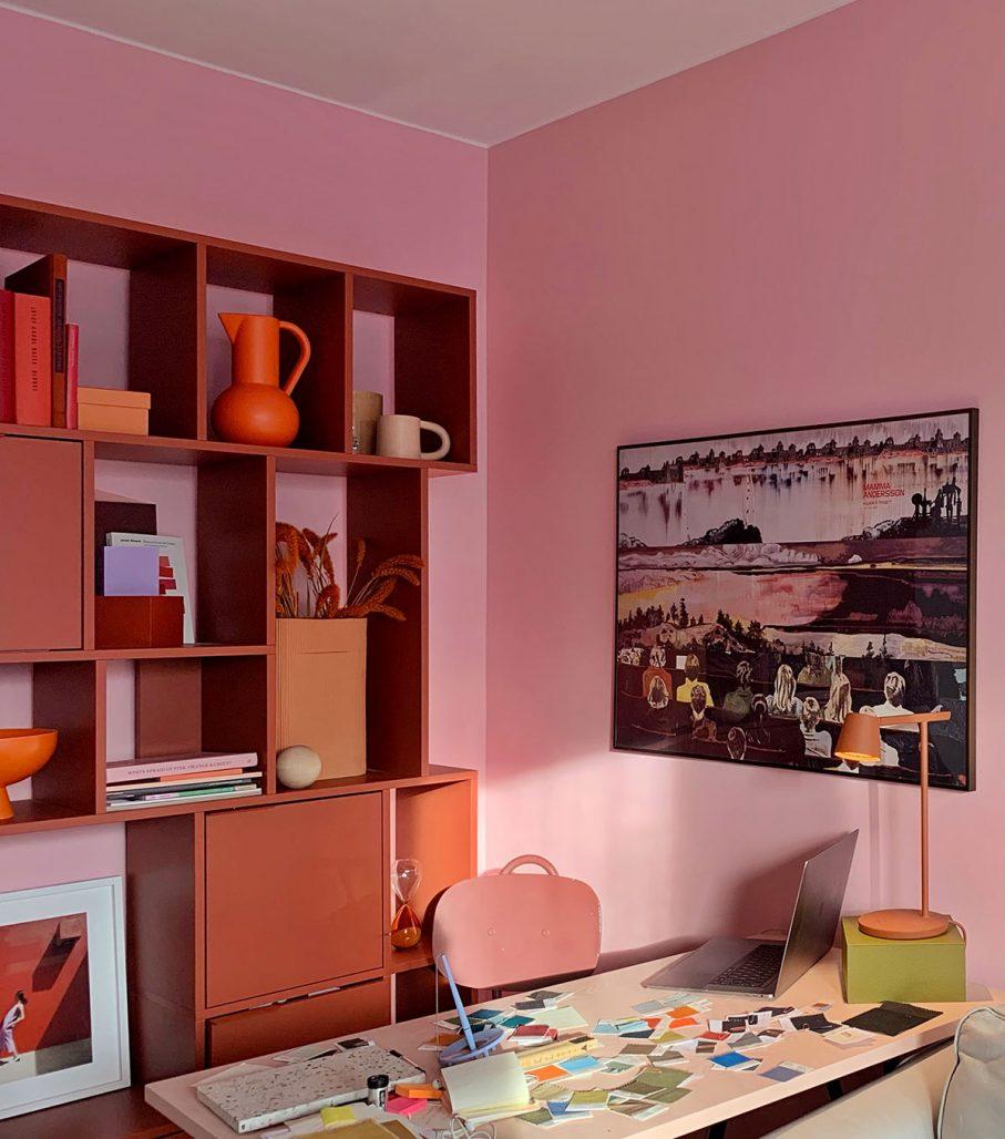 Tekla Evelina Severins färgstarka arbetsplats