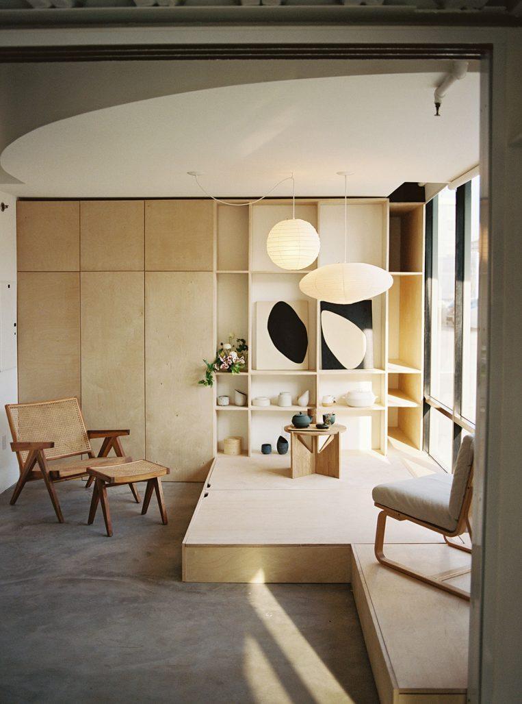 Platsbyggd förvaring i Bisquit Loft av designstudion OWIU