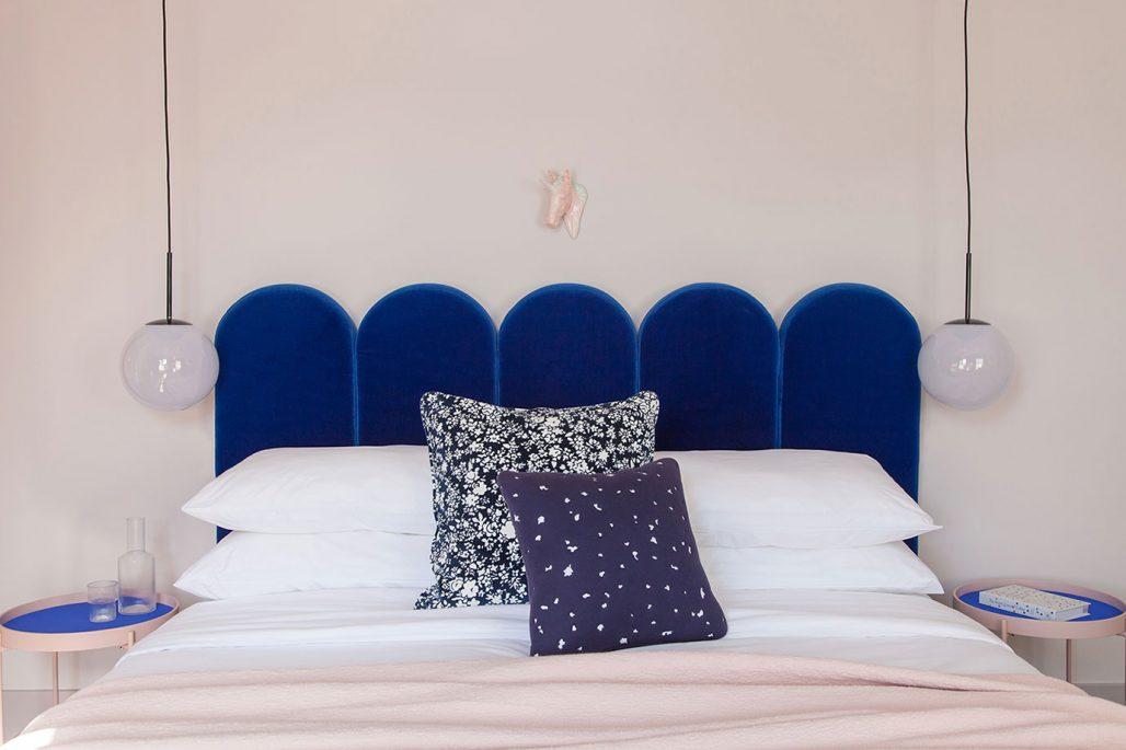Sovrum i blått och rosa