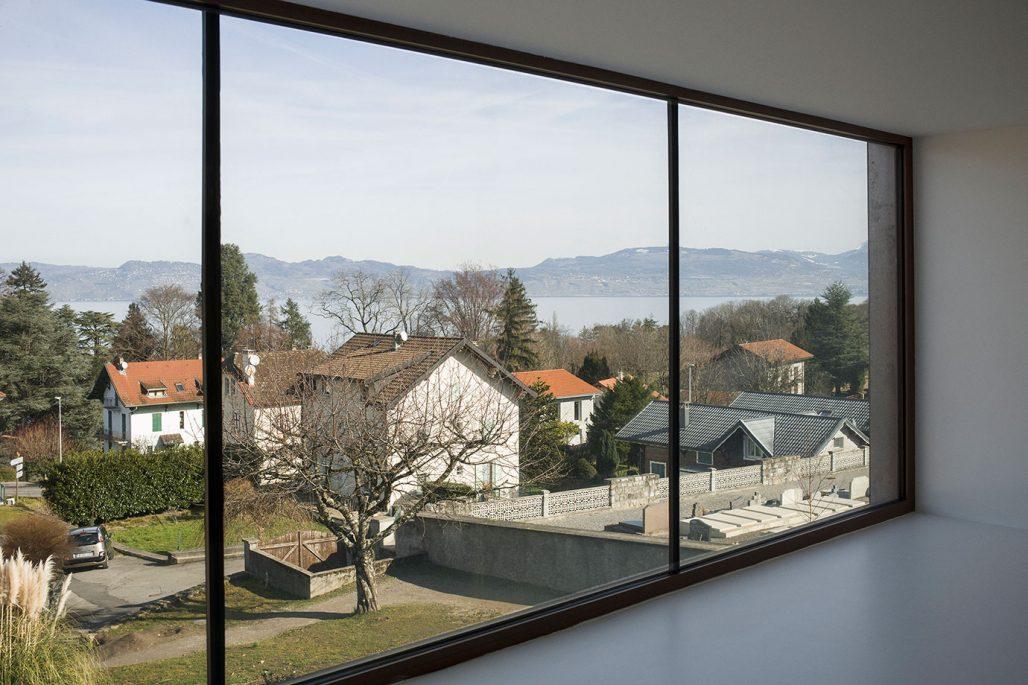 Utsikt över Genèvesjön inifrån skolan