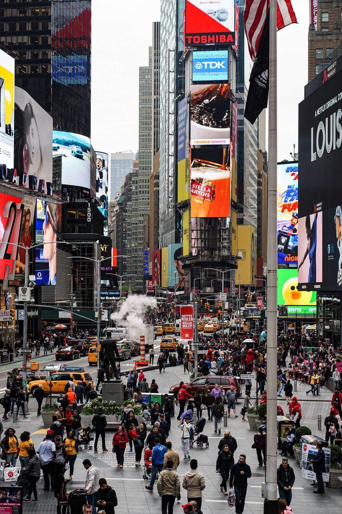 Times Square i New York efter att ha blivit omgjort av arkitektkontoret Snøhetta
