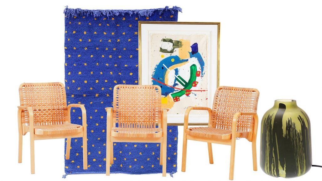 Auktionsfynd – karmstolar av Alvar Aalto, matta och bordslampa