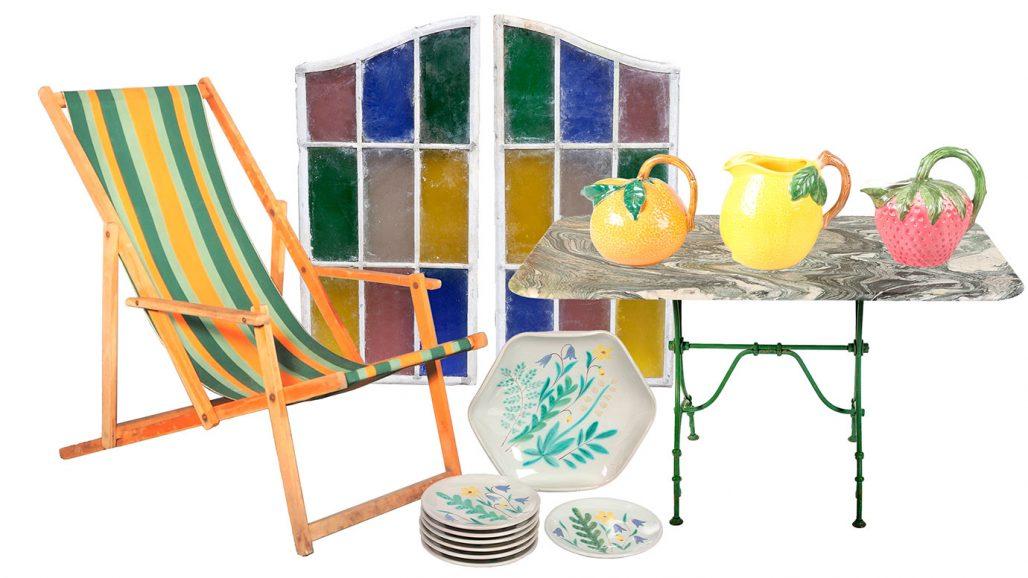 Auktionsfynd för trädgården – solstol, blyglasfönster och trädgårdsbord