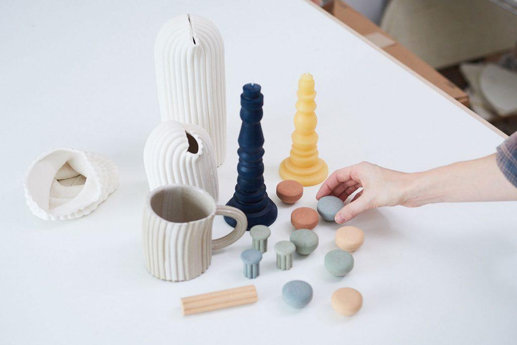 Knoppar i keramik av Helen Levi för PrettyPegs