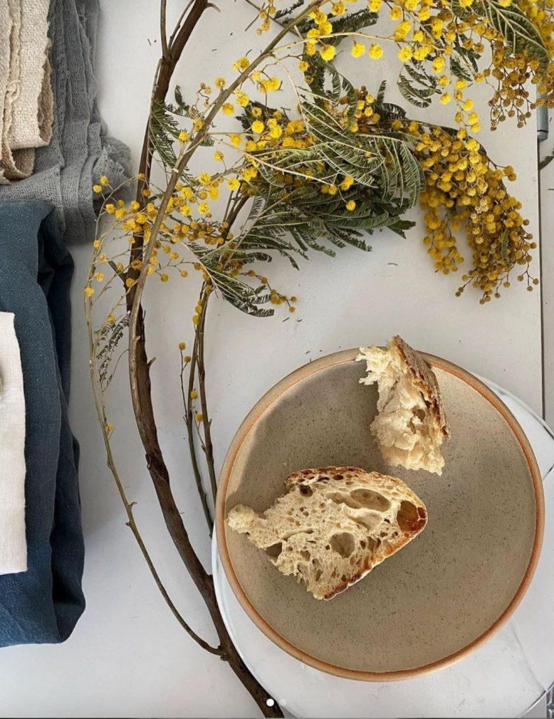 Stilleben med bröd av Linda Berlin