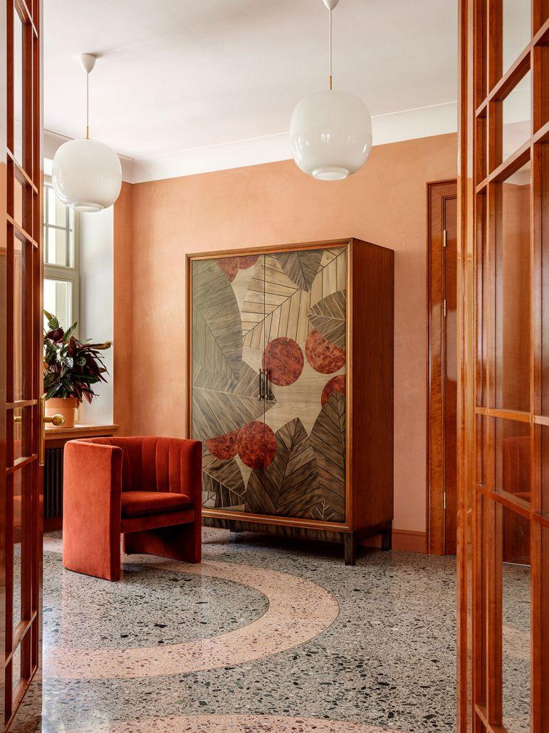 Inredningsinspiration i form av vackert golv i Villa Jurmala