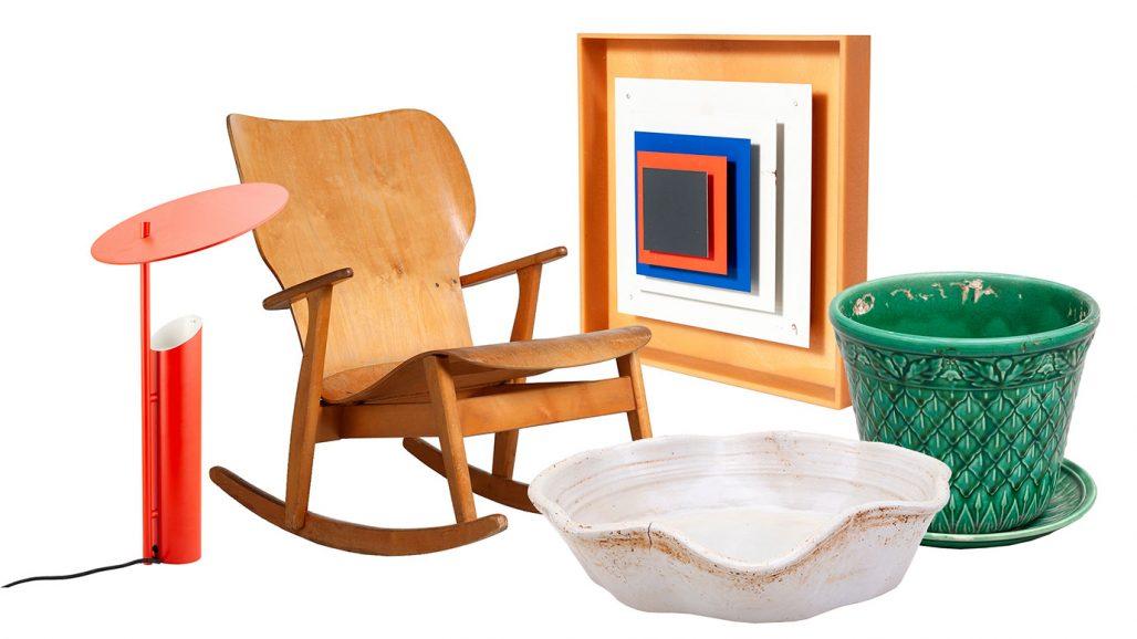 Auktionsfynd med gungstol, vägglampa och keramikskål