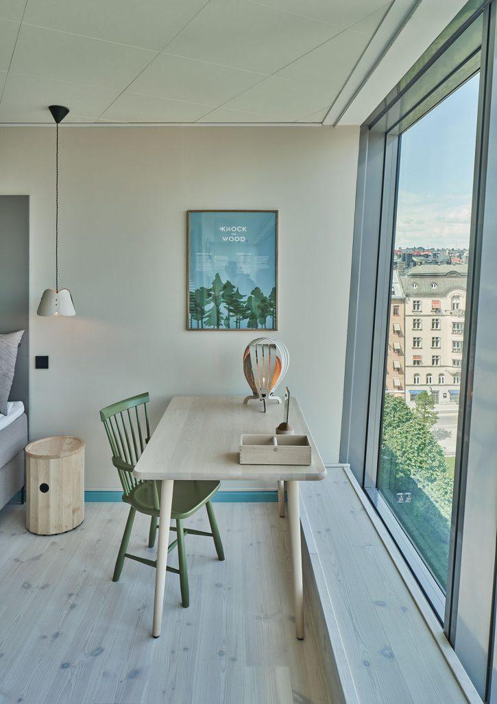Svit 901 på hotellet Clarion Sign är inrett med lokalproducerade möbler i svenskt trä