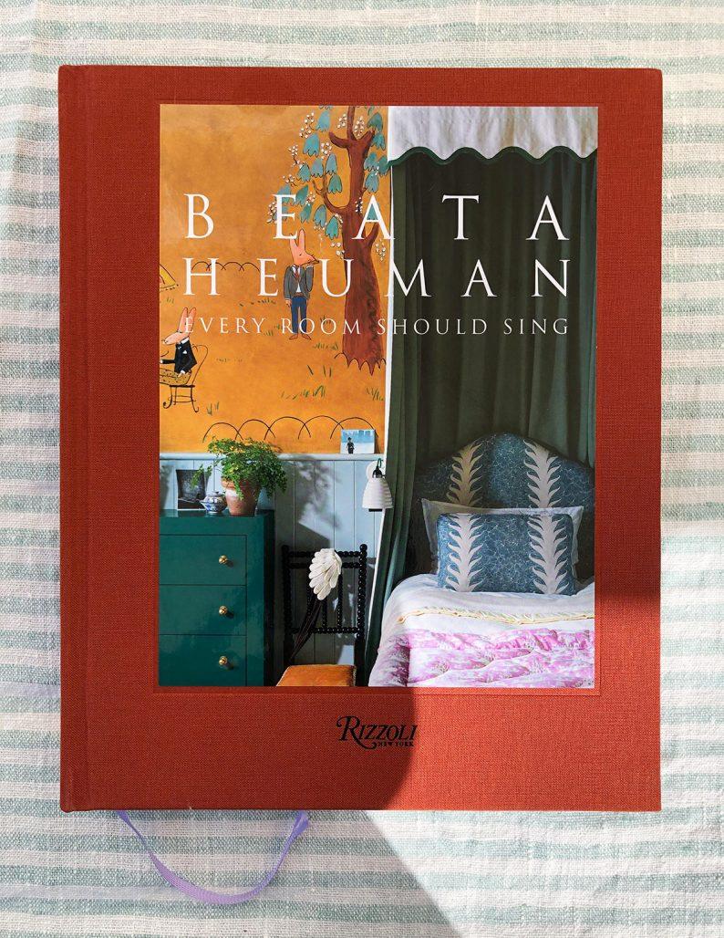 Omslag till Beata Heumans bok Every Room Should Sing