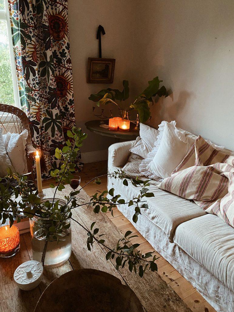 Vardagsrum hemma hos Elsa Billgren på Gotland