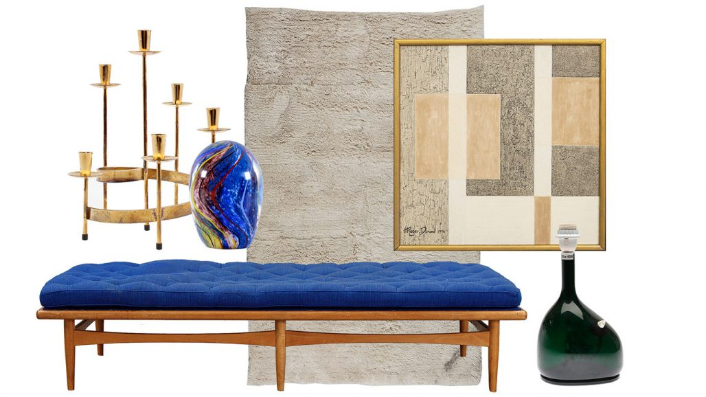 Auktionsfynd en koboltblå dagbädd, matta och kandelaber
