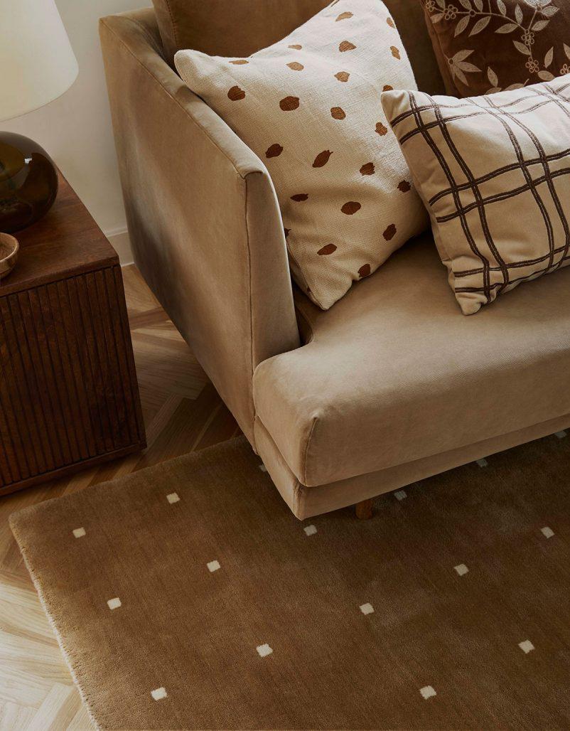Handvävd matta från Chhatwal & Jonsson kollektion.