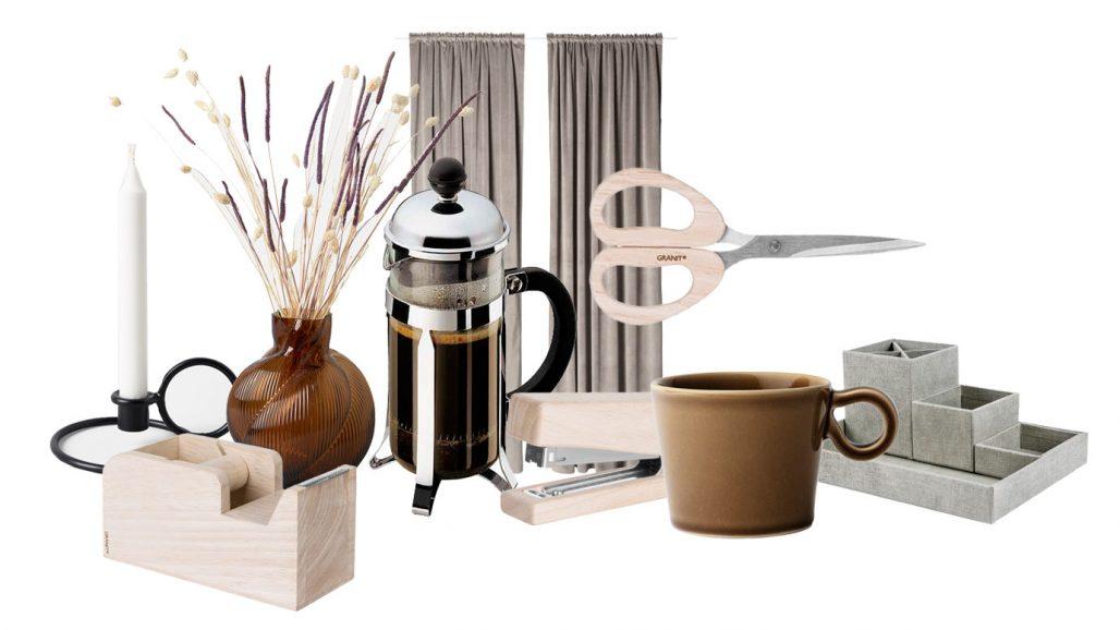 Gardin och kaffepress för hemmakontor.