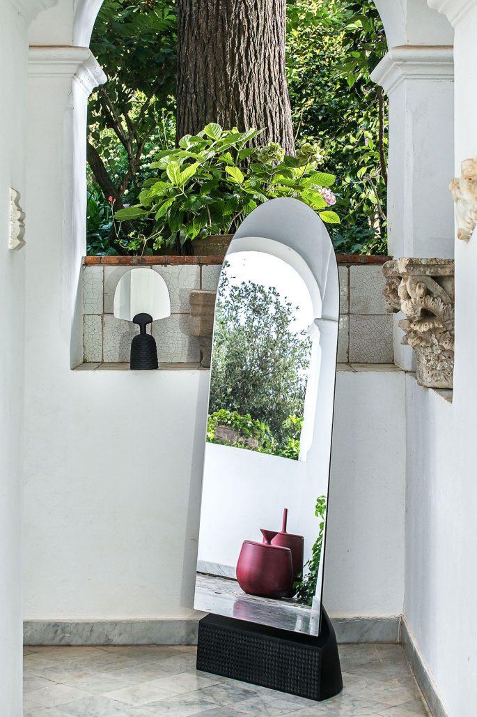 Monica Försters design för bosniska möbelföretaget Zanat ställs ut.