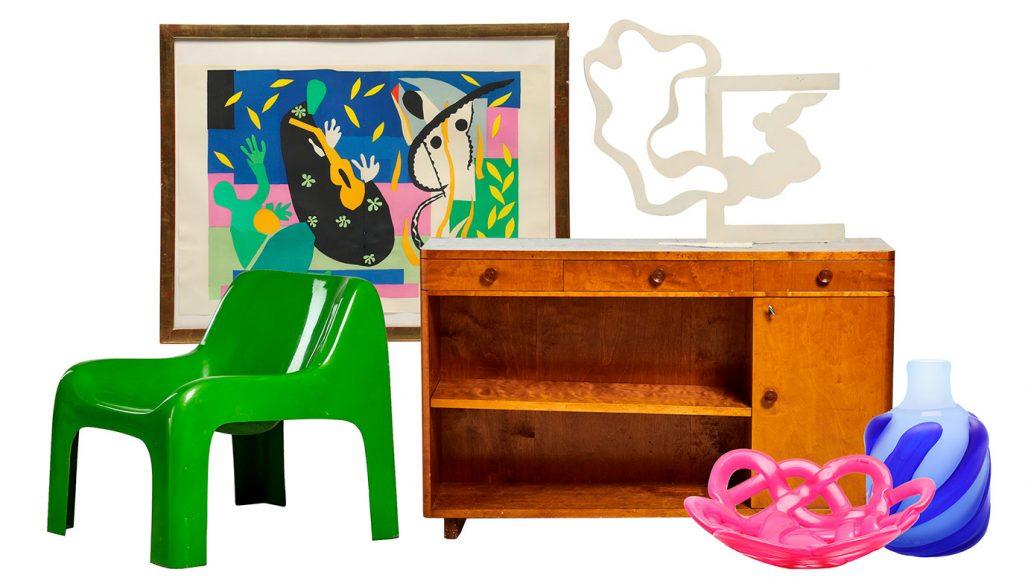 Färgstarka auktionsfynd – fåtölj, konstverk av Henri Matisse och skulptur