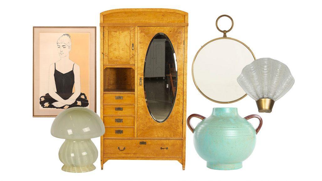 Auktionsfynd – skåp, spegel och vägglampor