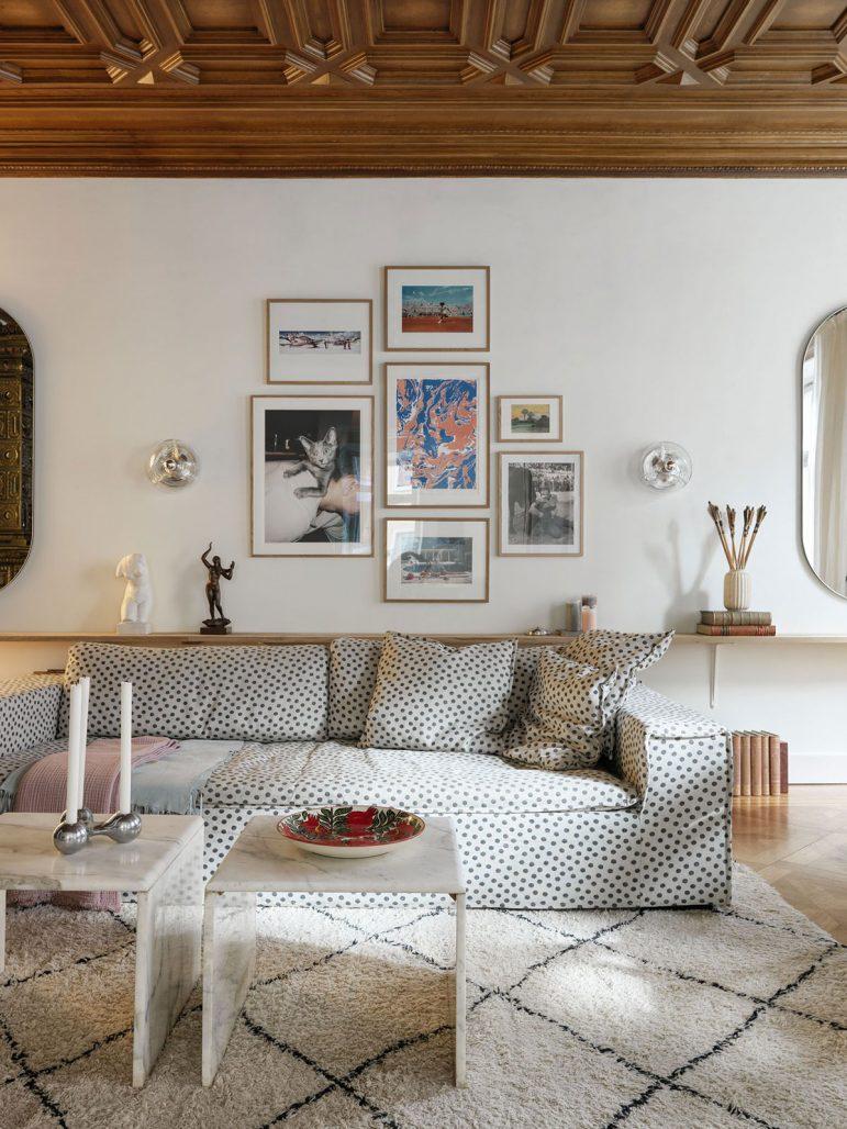 Vardagsrum med soffa från Meli Meli